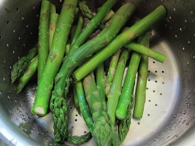 How to Steam Asparagus | Real Food RN