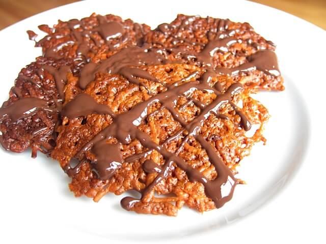 Crispy Chocolate Cheese Crackers (grain-free) | Real Food RN