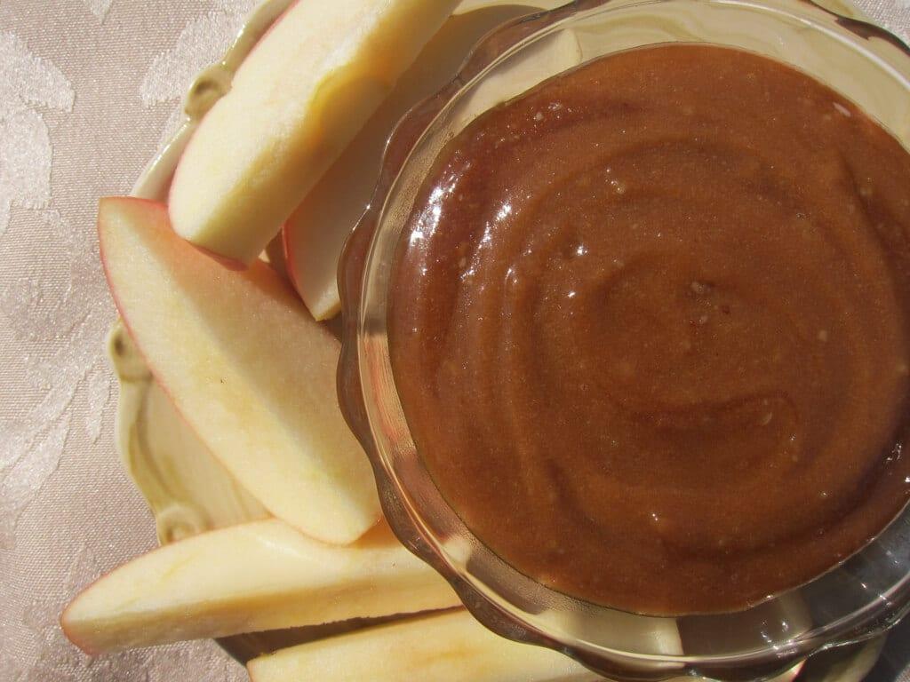 Homemade Macadamia Nut Caramel