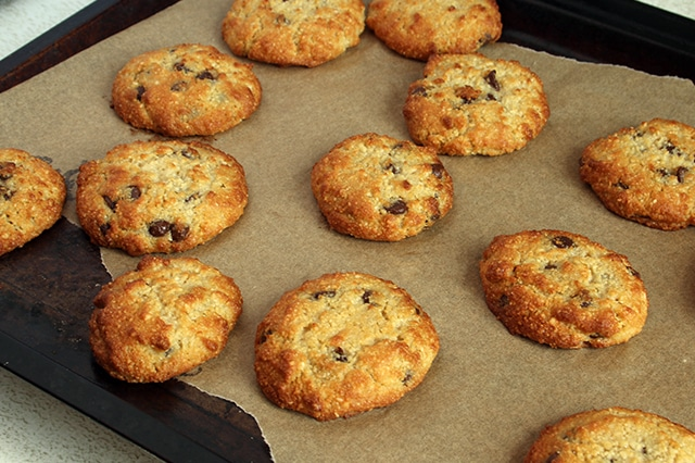 Low-Carb Chocolate Chip Cookies   Real Food RN