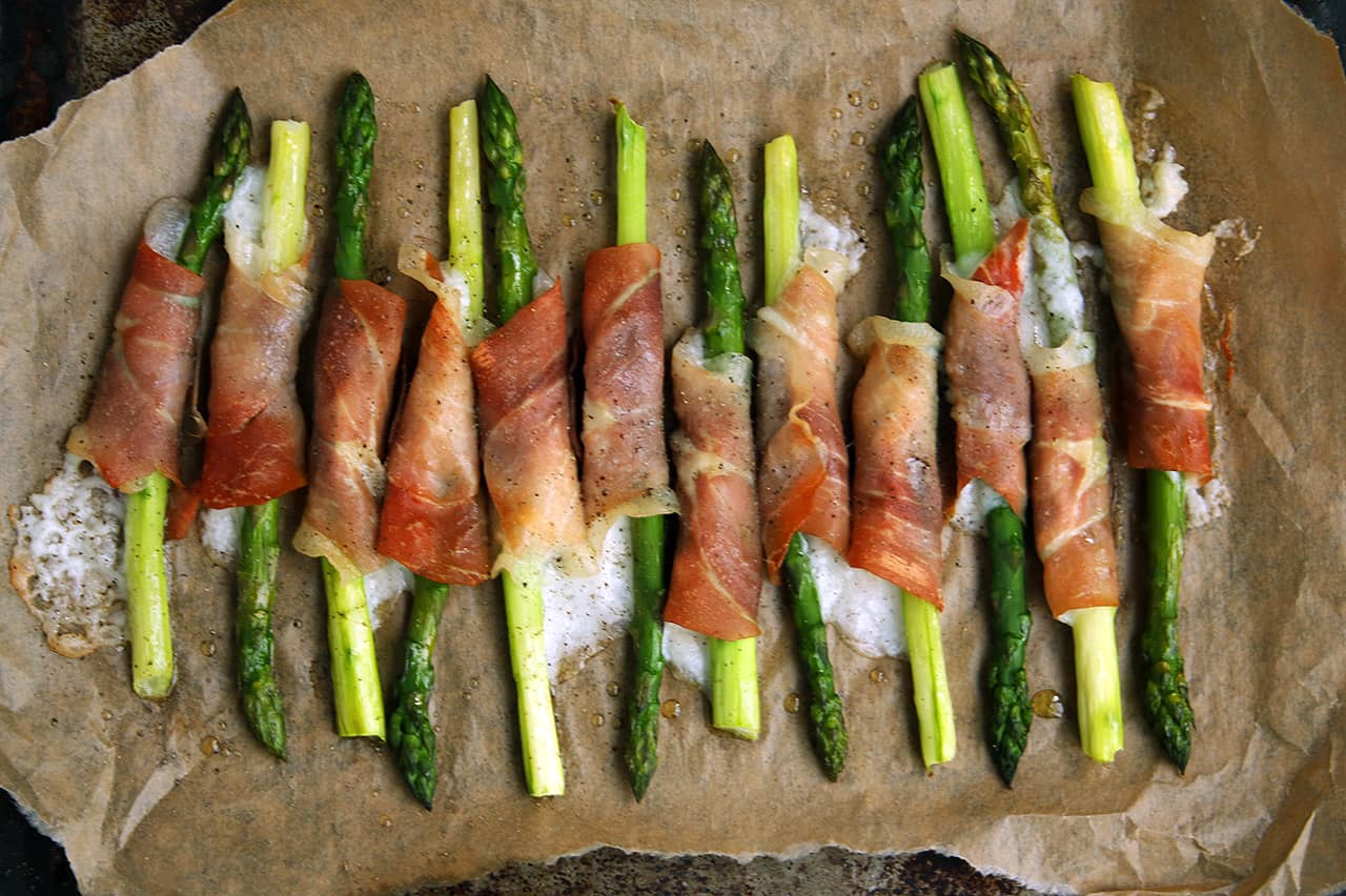 Prosciutto & Goat Cheese Wrapped Asparagus | Real Food RN